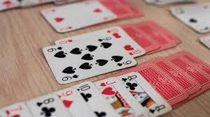 Permainan Strategi dan Asah Otak Pada Olahraga Menggunakan Kartu